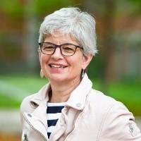Profile Photo of Lynda Ashbourne